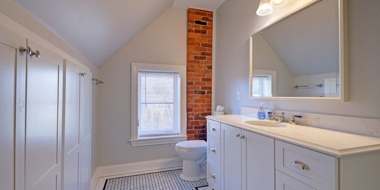 Full-Bath-3rd-floor-A
