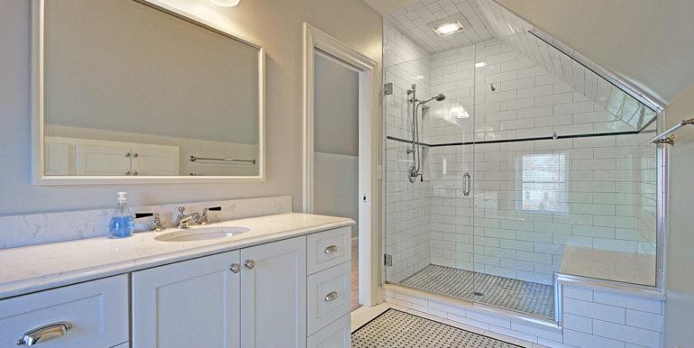 Full-Bath-3rd-floor-B