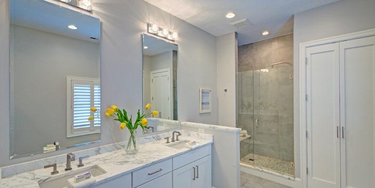 Owner's-Bath-1