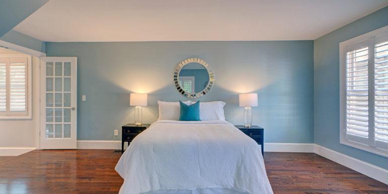 Owner's-Bedroom-2