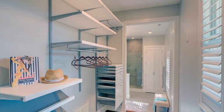 Owner's-Closet-1