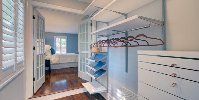 Owner's-Closet-2