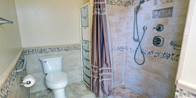 Full-Bath-1b_first-floor