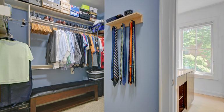 Primary-Closet